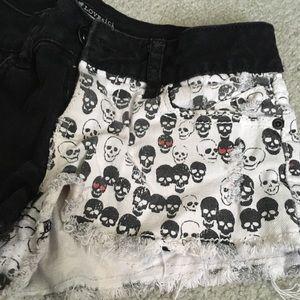 Lovesick split skull shorts